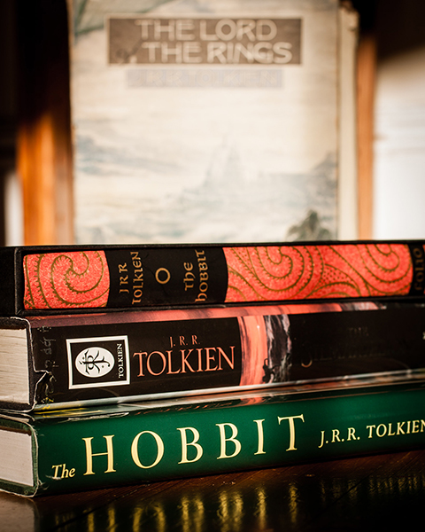 J.R.R. Tolkienin tuotantoa - mitkä ovat maailman parhaita kirjoja?